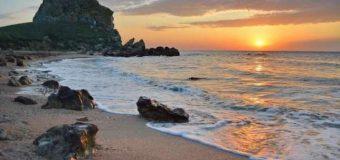 Какое море лучше Черное или Азовское?