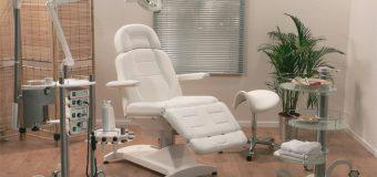 Специальное кресло — важный атрибут каждого педикюрного кабинета