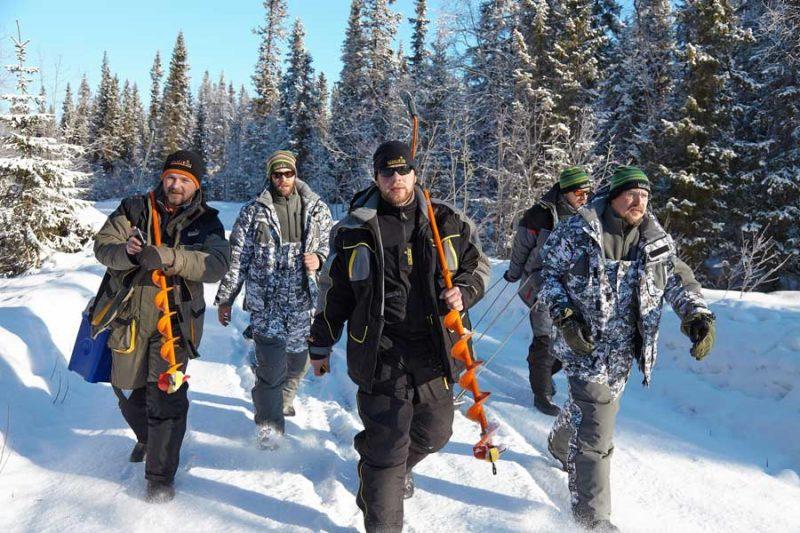 Как выбрать спецодежду? Зимний костюм для рыбалки и охоты